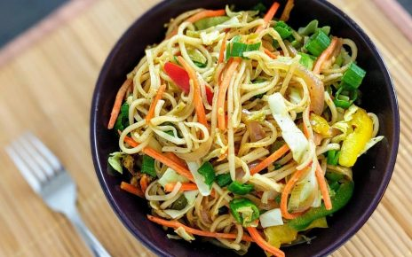 Vegan Vegetable Hakka Noodles