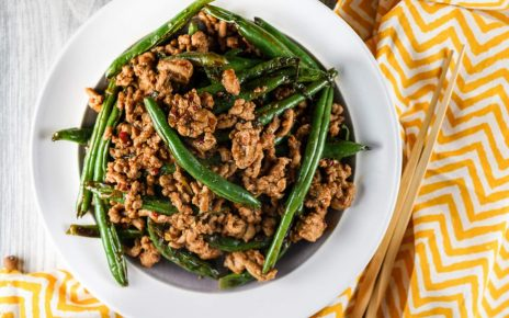 Sesame Flavored Green Beans Stir Fry
